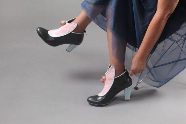 מגפון נעלים לנשים מותגים - נעליים אונליין, נעלי נשים מיקה דרימר
