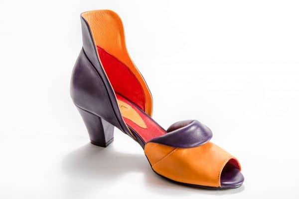 """סנדלי עקב - דגם """"אתמול היום מחר"""" - נעליים אונליין, נעלי נשים מיקה דרימר"""