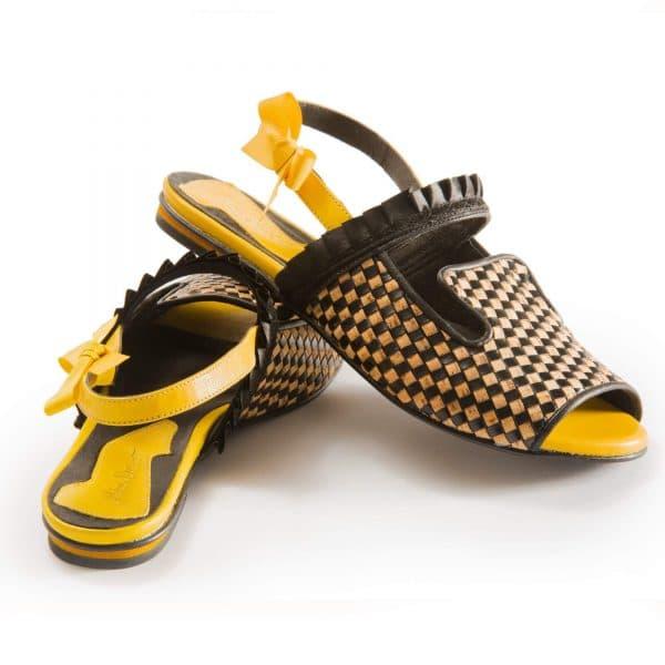 סנדלים לנשים, סנדלי נשים שטוחות של מעצבת הנעליים מיקה דרימר