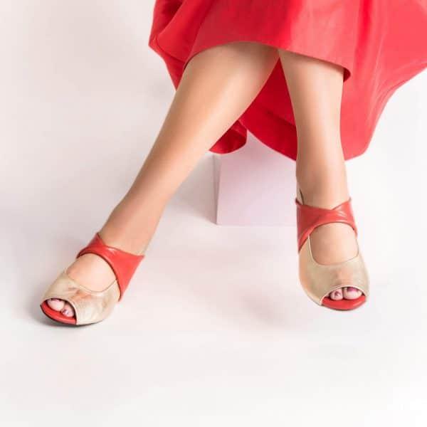 סנדלי עקב מיוחדות, סנדלים לנשים - נעליים אונליין, נעלי נשים מיקה דרימר