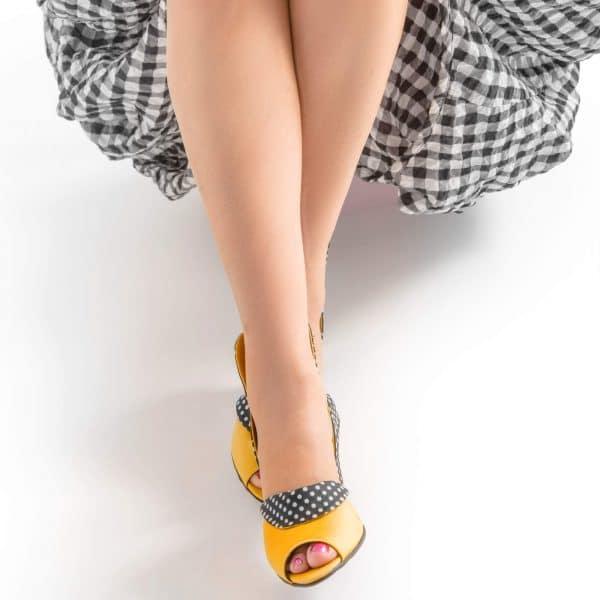 סנדלי עקב ייחודיות ומרשימות - נעליים אונליין, נעלי נשים מיקה דרימר