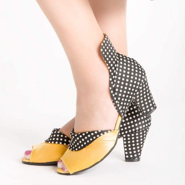 סנדלי עקב בגוון ייחודי- נעליים אונליין, נעלי נשים מיקה דרימר
