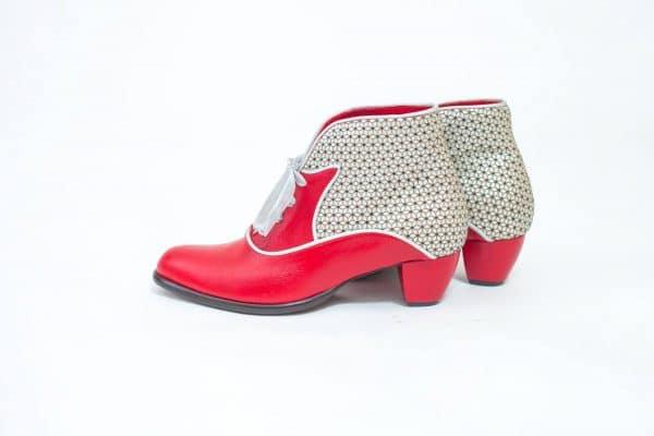 מגפונים לנשים מעוררי השראה למראה נשי, אלגנטי וקלאסי - נעליים אונליין, נעלי נשים מיקה דרימר